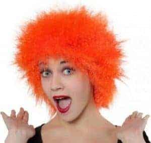 Oranje pruik met piekhaar