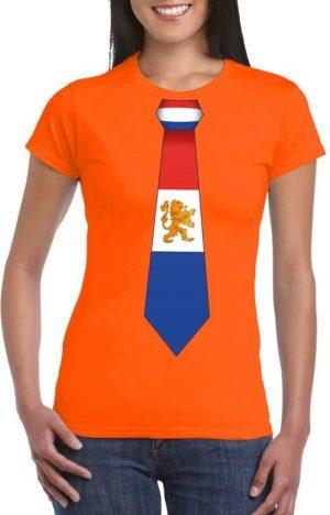 Oranje shirt met rood, wit, blauwe stropdas
